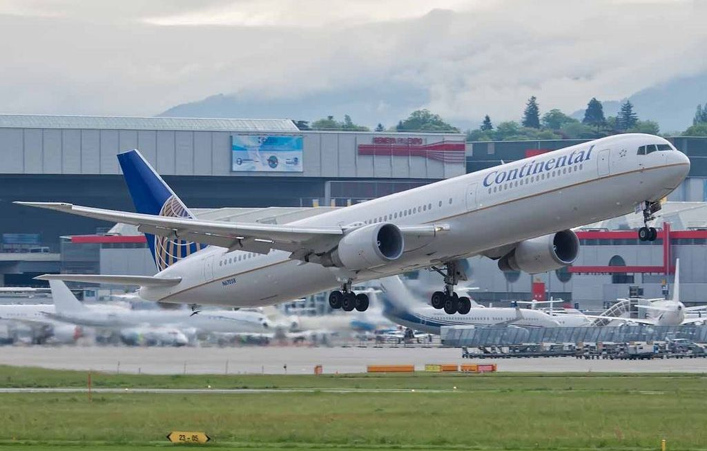 United Airlines Fleet Boeing 767-400ER Details and Pictures