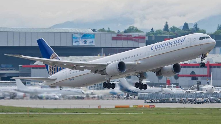 Boeing 767 424ER cnserial number 29453862 United Airlines Fleet N67058 ex Continental at Geneva Airport IATA GVA ICAO LSGG