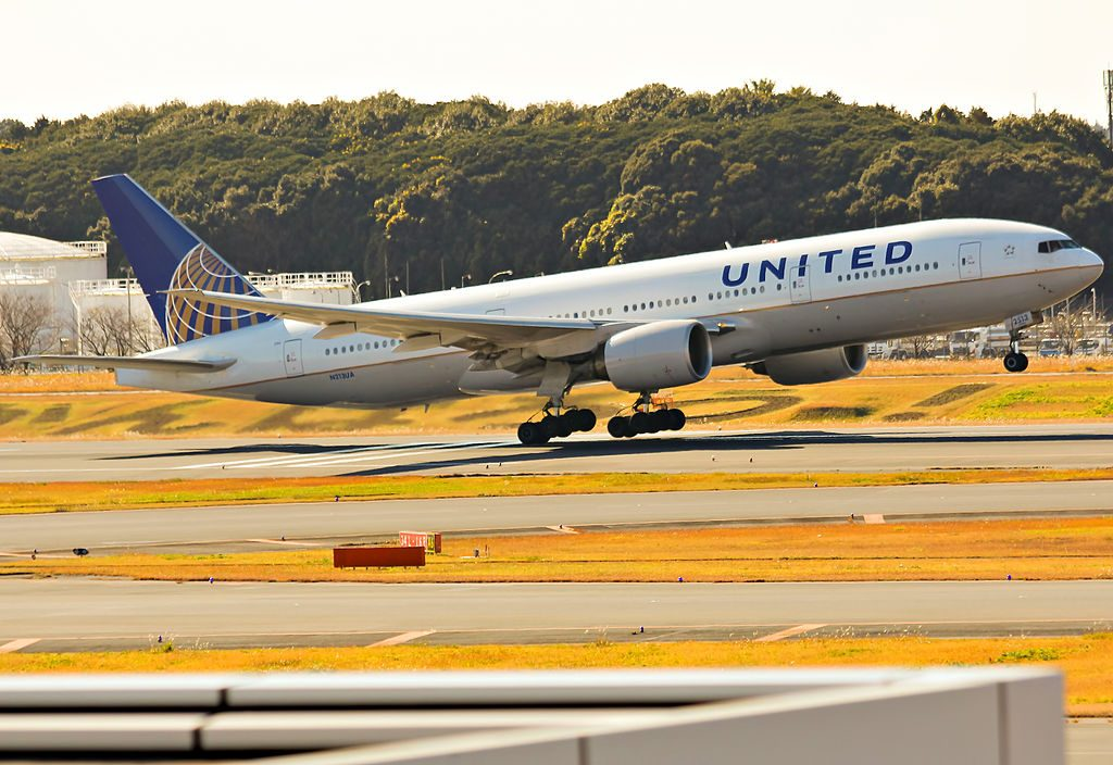 Boeing 777 222 cnserial number 30219295 United Airlines Aircraft Fleet N213UA landing and takeoff at Haneda International Airport IATA HND ICAO RJTT Tokyo International Airport