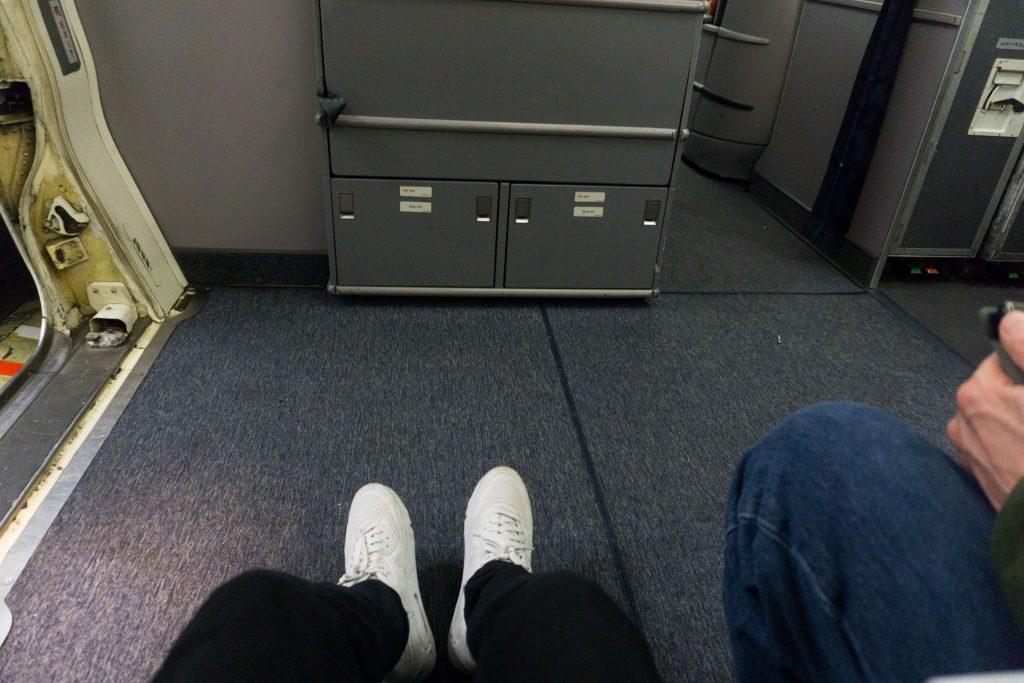 United Airlines Aircraft Fleet Boeing 757-200 Economy Class Cabin Bulkhead Seats Extra Legroom Photos