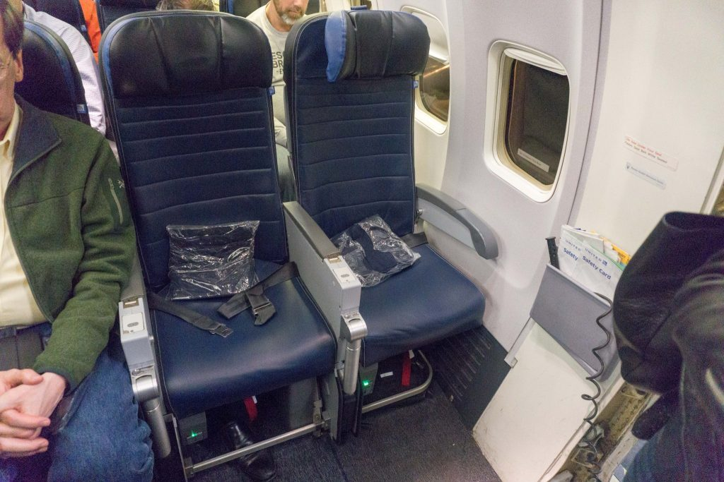 United Airlines Aircraft Fleet Boeing 757-200 Economy Class Cabin Seats Configuration 3-3 Layout