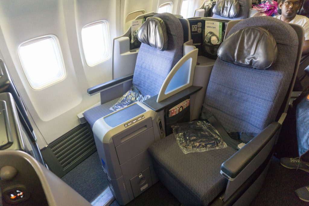 United Airlines Aircraft Fleet Boeing 757-200 Polaris Business:First Class Cabin seats was equipped with a small blanket and headphones