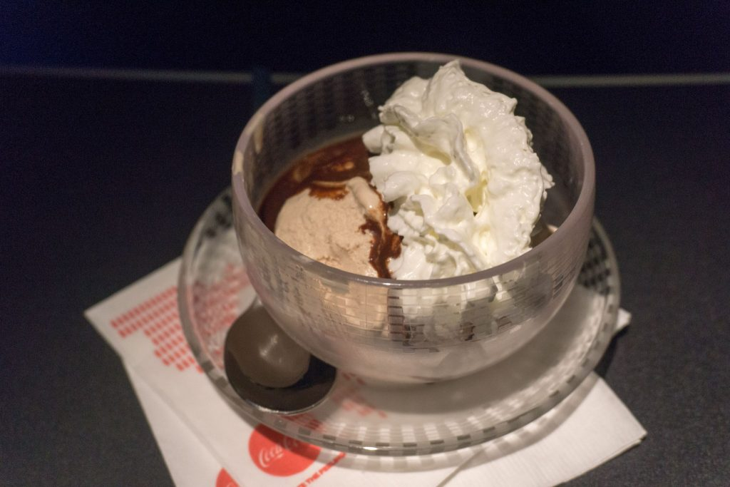 United Airlines Aircraft Fleet Boeing 757-200 Polaris Business:First Class Inflight Amenities Dessert Menu ice cream sundaes