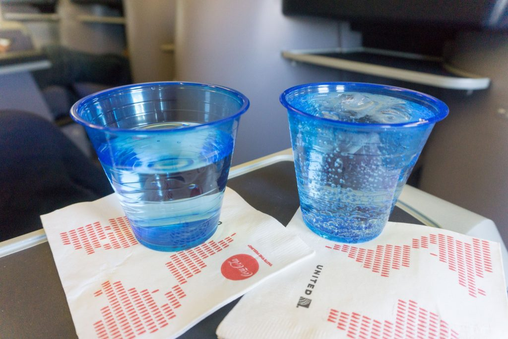 United Airlines Aircraft Fleet Boeing 757-200 Polaris Business:First Class Pre-departure drinks services