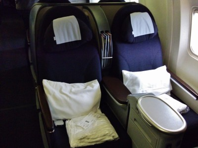 United Airlines Aircraft Fleet Boeing 767 300ER Polaris FirstBusiness Cabin Seats Photos