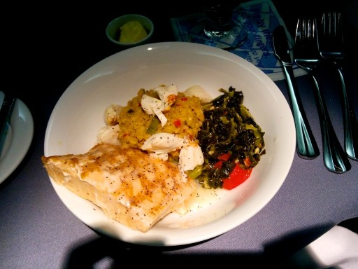 United Airlines Aircraft Fleet Boeing 767 300ER Polaris FirstBusiness Class Cabin Inflight Amenities Dinner meal Fish entree menu