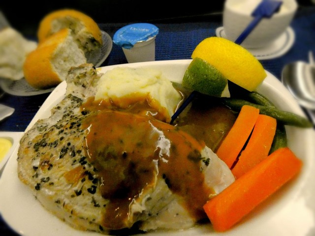 United Airlines Aircraft Fleet Boeing 777 200 Pre Merger Business Class Cabin Inflight Amenities Meal Services Chicken steak
