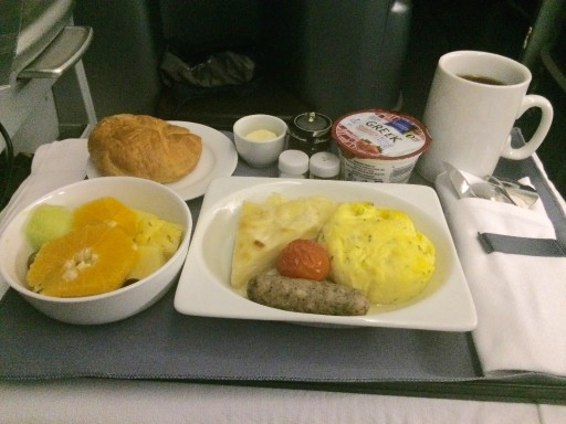 United Airlines Aircraft Fleet Boeing 777 200 Pre Merger BusinessFirst Class Cabin Meal Food Breakfast service eggs and potatoes
