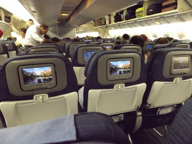 United Airlines Aircraft Fleet Boeing 777 200ER Economy Class Cabin seatback IFE screen system