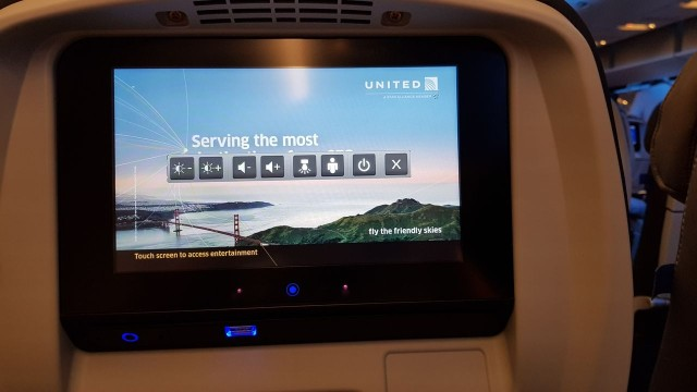 United Airlines Aircraft Fleet Boeing 777 300ER Economy Class Cabin 922 IFE System Entertainment Screen