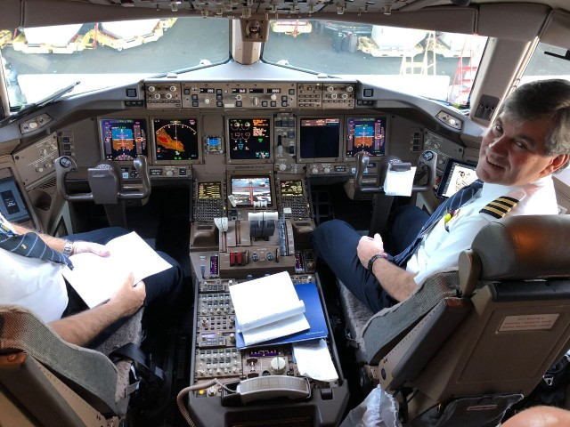 United Airlines Aircraft Fleet Boeing 777 300ER Flight Deck Cockpit Captain Pilot Photos