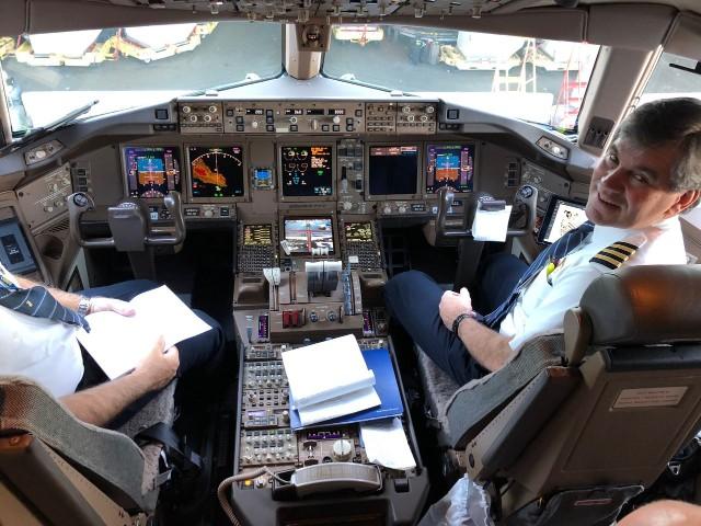 United Airlines Aircraft Fleet Boeing 777 300ER Flight Deck Cockpit Captain Pilot Photos