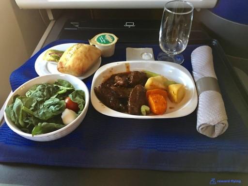 United Airlines Aircraft Fleet Boeing 777 300ER Polaris Business Class Cabin Inflight Amenities Food Meal Services Menu Photos @rewardflying