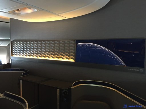 United Airlines Aircraft Fleet Boeing 777 300ER Polaris Business Class Cabin Interior Design and Seats Layout Configuration4 @rewardflying