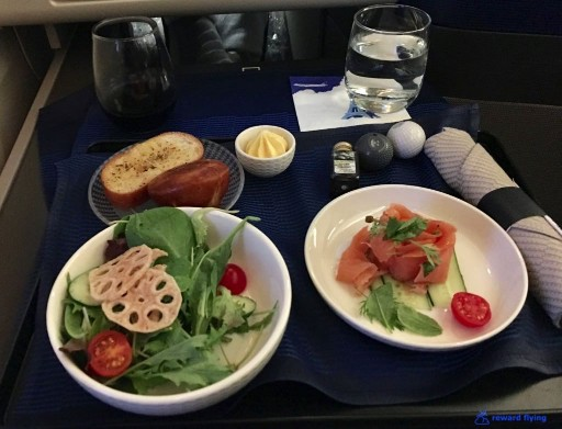United Airlines Aircraft Fleet Boeing 777 300ER Polaris Business Class Cabin meals food menu with wine @rewardflying