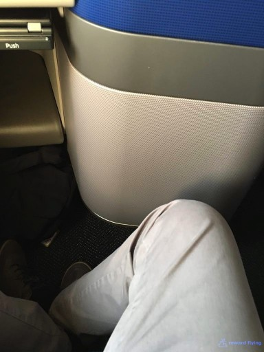 United Airlines Aircraft Fleet Boeing 777 300ER Polaris Business Class cabin seats pitch legroom photos @rewardflying
