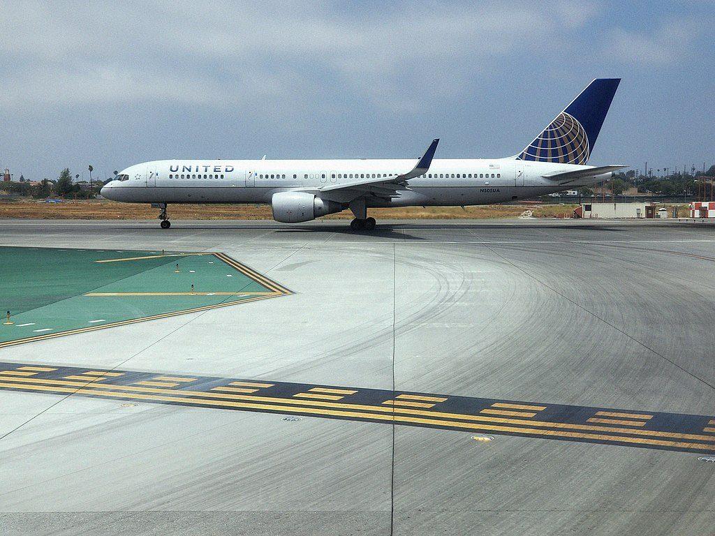 United Airlines Aircraft Fleet N505UA Boeing 757-224 cn:serial number- 24626:254 lines up to depart runway 24R Los Angeles International Airport (LAX)