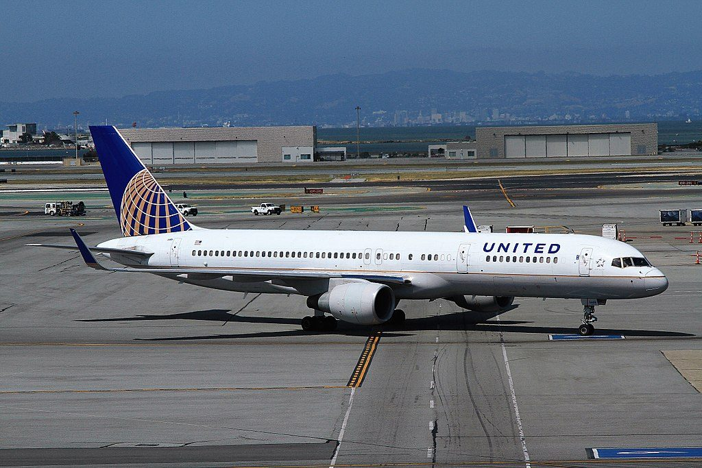 United Airlines Aircraft Fleet N588UA Boeing 757-222 cn:serial number- 26717:571 taxiing at SFO San Francisco International Airport