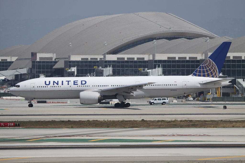 United Airlines Aircraft Fleet N783UA Boeing 777 222ER cnserial number 2695060 taxiing at Los Angeles International LAX