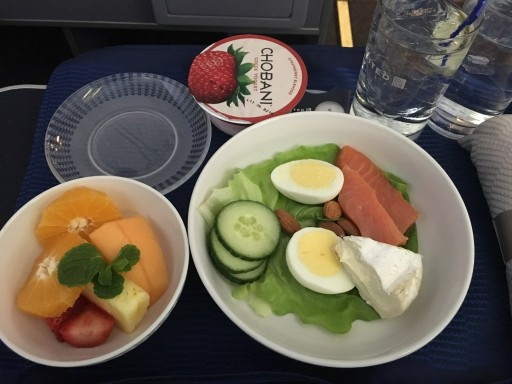 United Airlines Aircraft Fleet Narrow Body Boeing 757 300 Business First Class Cabin Inflight Amenities Breakfast Menu Salmon Protein Bowl