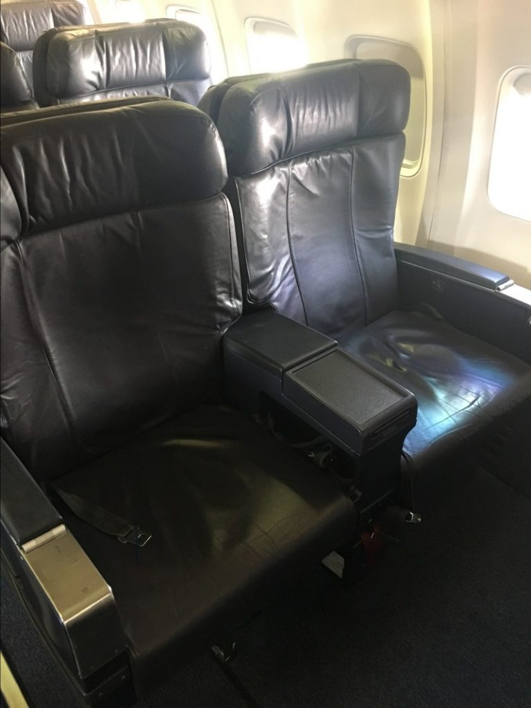 United Airlines Aircraft Fleet Narrow Body Boeing 757 300 Business First Class Cabin Seats Photos