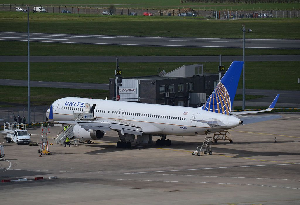 United Airlines Aircraft Fleet (ex-Continental) N41135 Boeing 757-224 cn:serial number- 29284:851 at Glasgow Airport Scotland