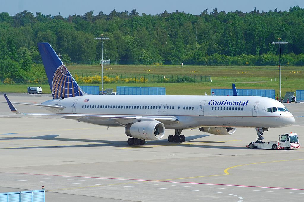 United Airlines Aircraft Fleet (ex-Continental) N41140 Boeing 757-224 cn:serial number- 30353:913 at Cologne Bonn Airport (IATA- CGN, ICAO- EDDK) Germany