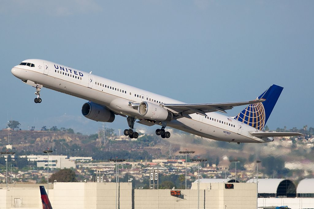 United Airlines Aircraft Fleet ex Continental N57857 Boeing 757 324 cnserial number 328161040 departing LAX