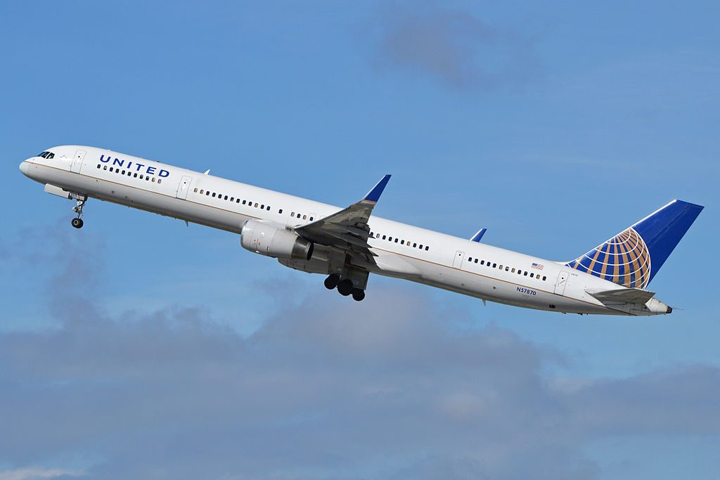 United Airlines Aircraft Fleet ex Continental N57870 Boeing 757 33Nw cnserial number 335251031 departing LAX