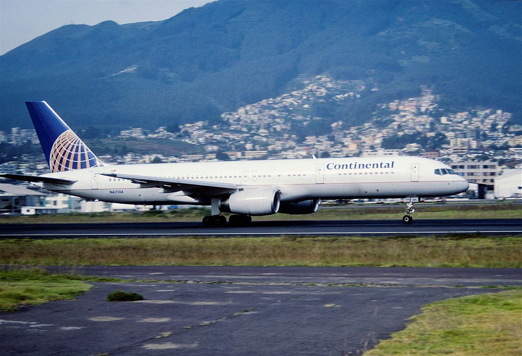 United Airlines Aircraft Fleet (ex-Continental) N67134 Boeing 757-224 cn:serial number- 29283:848 at Mariscal Sucre International Airport (IATA- UIO, ICAO- SEQM) Ecuador