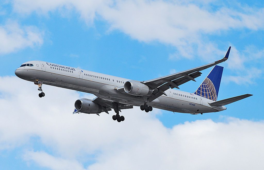United Airlines Aircraft Fleet ex Continental N73860 Boeing 757 33N cnserial number 32584972 short final before landing at Las Vegas McCarran International LAS KLAS USA Nevada