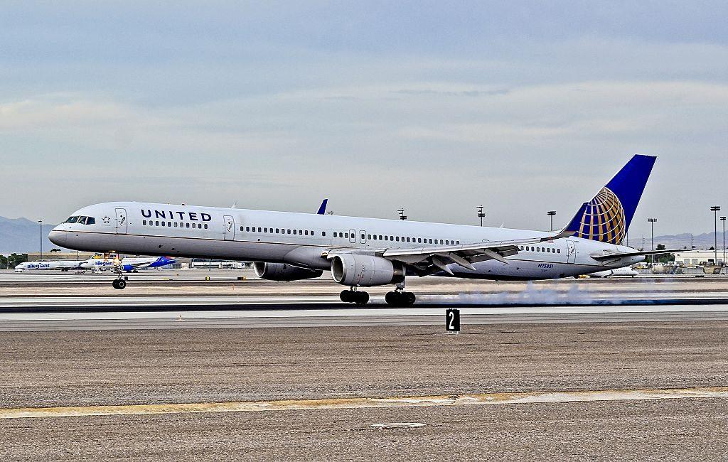 United Airlines Aircraft Fleet ex Continental N75851 Boeing 757 324w cnserial number 32810990 smoky landing at Las Vegas McCarran International LAS KLAS USA Nevada