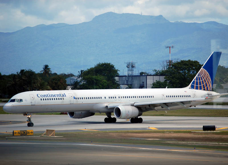 United Airlines Aircraft Fleet ex Continental N75854 Boeing 757 324 cnserial number 32813999 at San Juan International