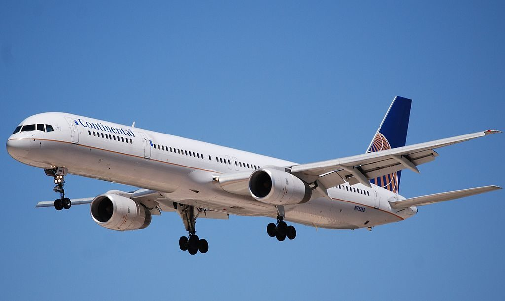 United Airlines Aircraft Fleet ex Continental N75858 Boeing 757 324 cnserial number 328171042 final approach at LAX