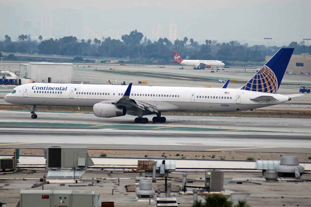 United Airlines Aircraft Fleet ex Continental N75861 Boeing 757 33N cnserial number 32585976 at KLAX
