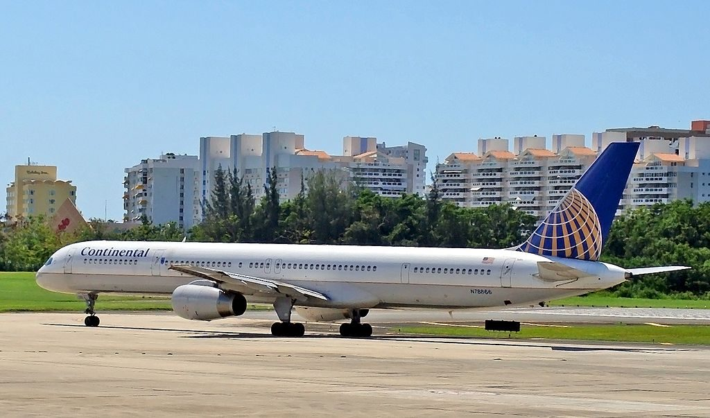United Airlines Aircraft Fleet ex Continental N78866 Boeing 757 33N cnserial number 325911007 at San Juan Luis Munoz Marin International SJU TJSJ Puerto Rico