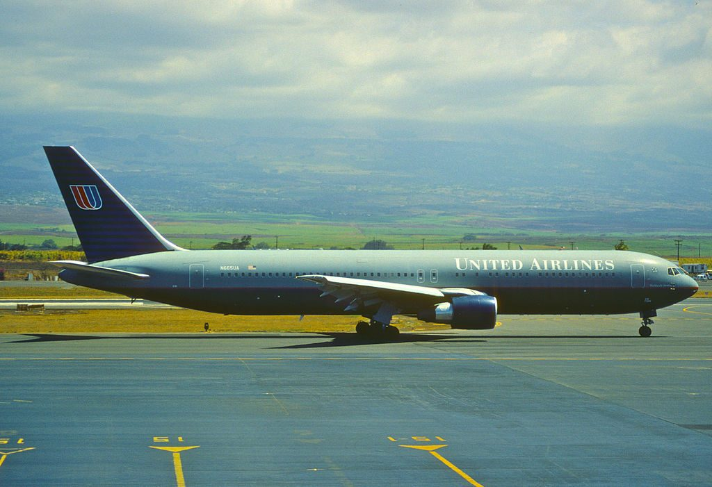 United Airlines Boeing 767 322ER cnserial number 29237711 N665UA at OGG Kahului Airport Maui International