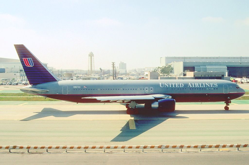 United Airlines Fleet Boeing 767 322ER cnserial number 27112479 N657UA on old battleship livery colors at LAX