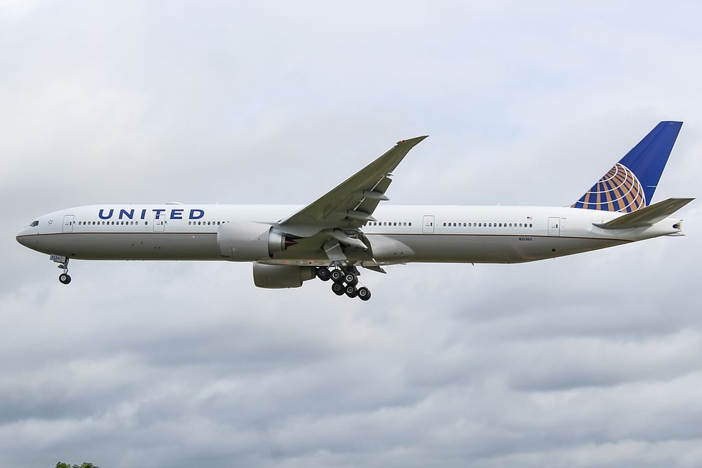 United Airlines Fleet N2136U Boeing 777 322ER cnserial number 626481477 wide body aircraft photos