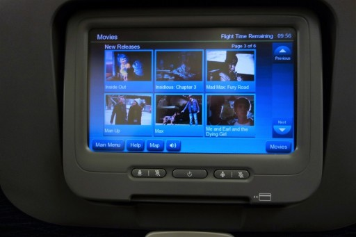United Airlines Fleet Widebody Aircraft Boeing 777 200 Economy Class Cabin Inflight Amenities Entertaiment IFE system movies selection