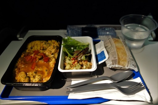 United Airlines Fleet Widebody Aircraft Boeing 777 200 Economy Class Cabin Inflight Amenities MealFoodDinner menu chicken