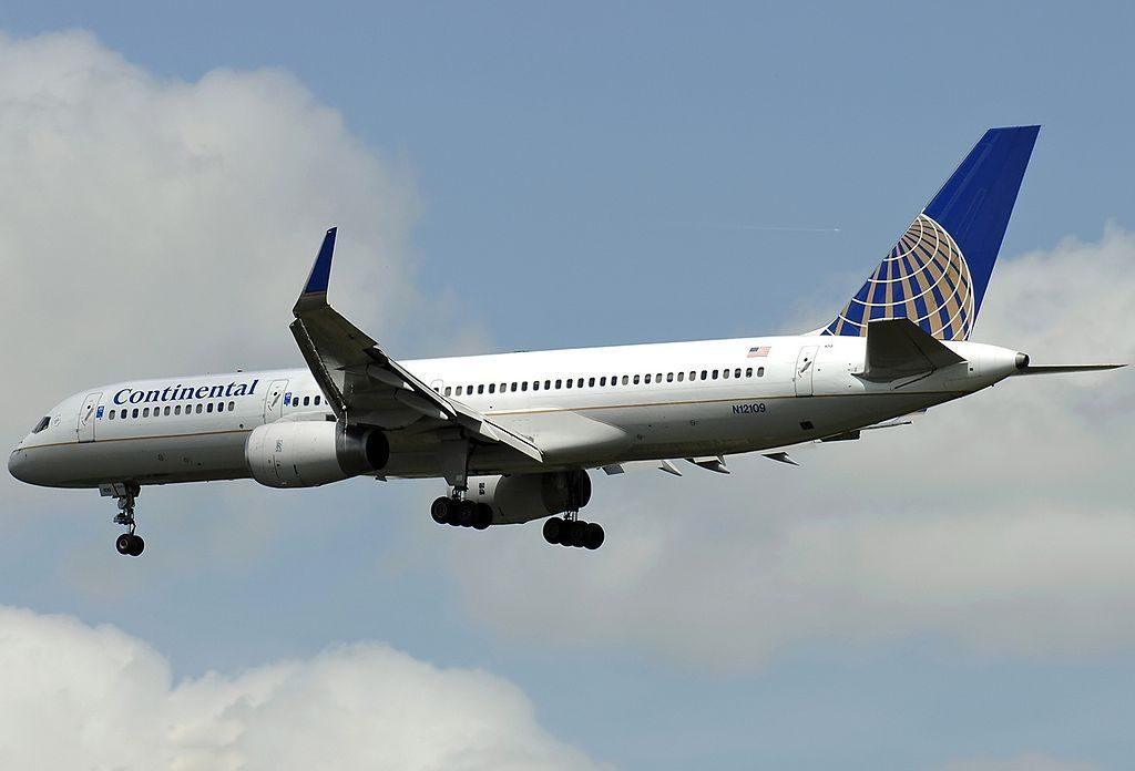 United Airlines Fleet (ex-Continental) N12109 Boeing 757-224 cn:serial number- 27299:648 on final at Paris Roissy - Charles de Gaulle - LFPG, France