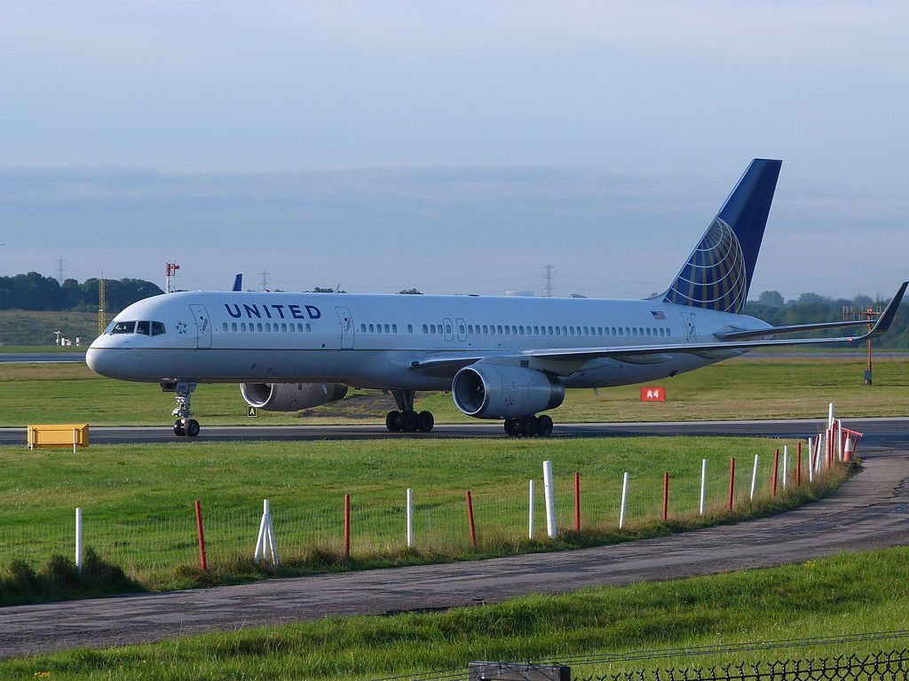 United Airlines Fleet (ex-Continental) N12114 Boeing 757-224 cn:serial number- 27556:682 taxiing at Manchester Airport (IATA- MAN, ICAO- EGCC)