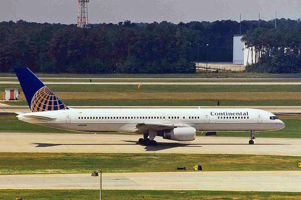 United Airlines Fleet ex Continental N13138 Boeing 757 224 cnserial number 30351903 takeoff and landing at George Bush Intercontinental Airport
