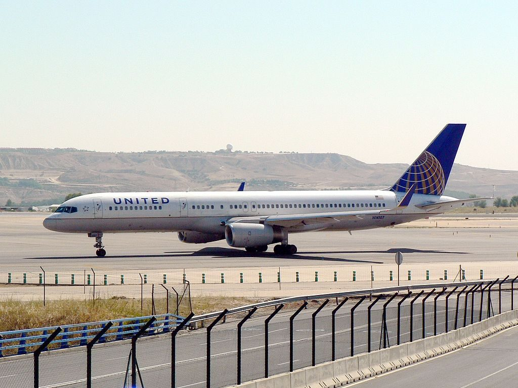 United Airlines Fleet (ex-Continental) N14107 Boeing 757-224 cn:serial number- 27297:641 takeoff and landing at Adolfo Suárez Madrid-Barajas