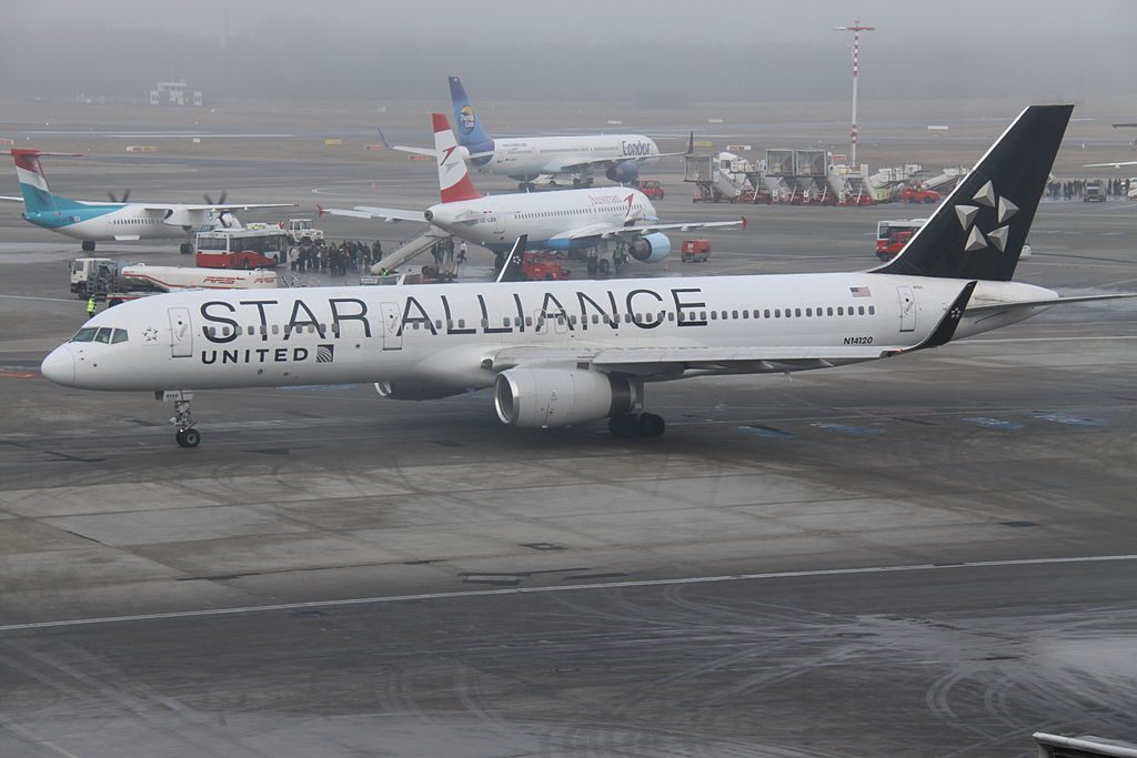 United Airlines Fleet (ex-Continental) N14120 Boeing 757-224 cn:serial number- 27562:761 on STAR ALLIANCE livery colors at Hamburg Airport (IATA- HAM, ICAO- EDDH)