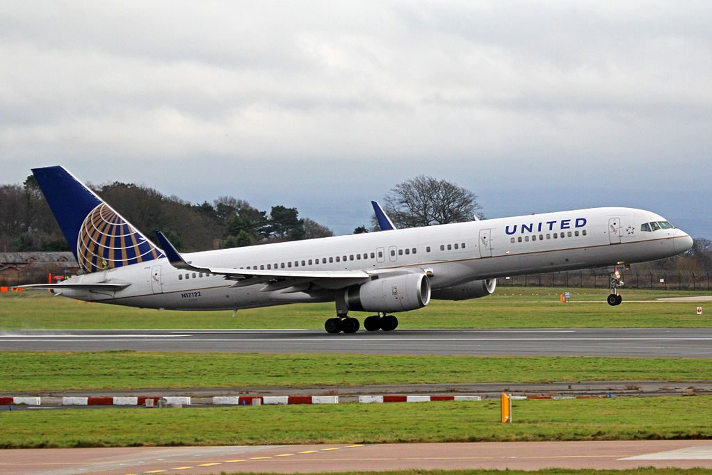United Airlines Fleet (ex-Continental) N17122 Boeing 757-224(wl) cn:serial number- 27564:768 landing and takeoff at Manchester Airport