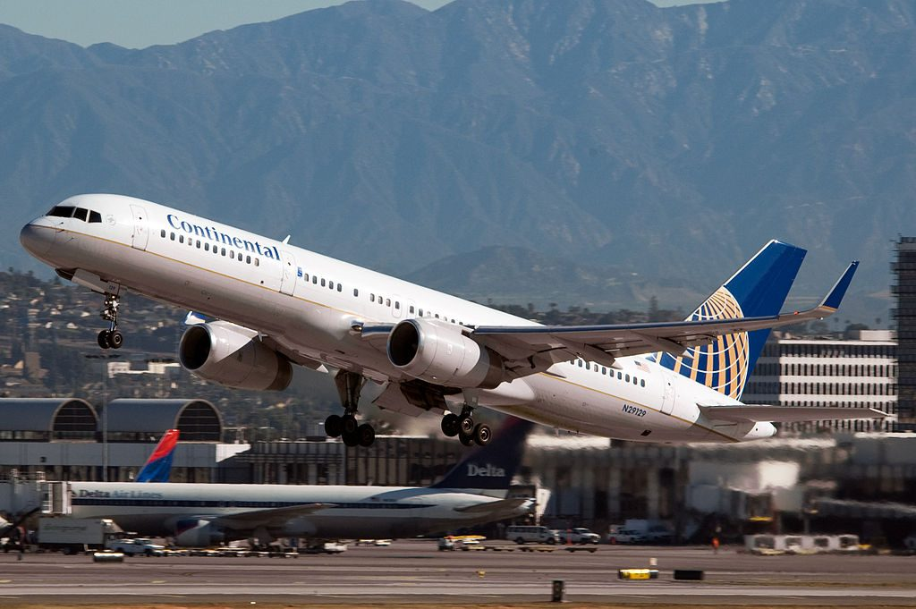 United Airlines Fleet (ex-Continental) N29129 Boeing 757-224w cn:serial number- 28969:796 departing LAX