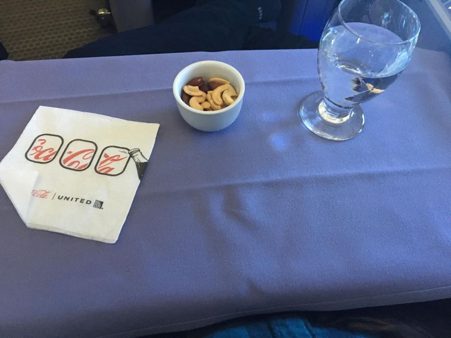 United Airlines Widebody Aircraft Fleet Boeing 767 400ER Business FirstPolaris Business Cabin snacks and drinks cocktail peanuts cashews and almonds