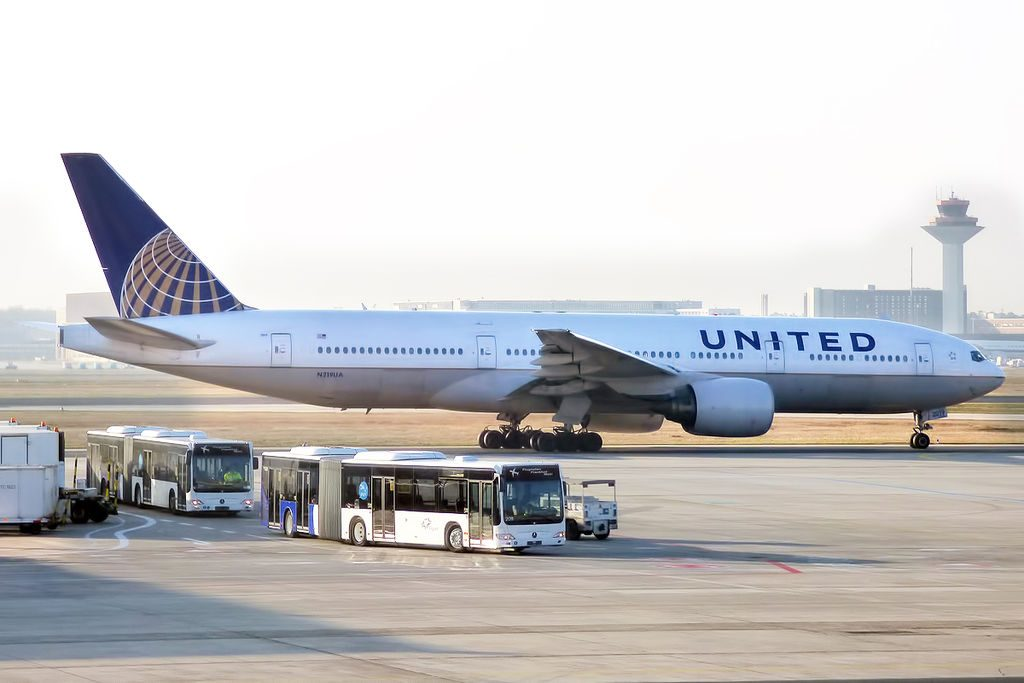 United Airlines Widebody Aircraft N219UA Boeing 777 222ER taxiing at Frankfurt Airport IATA FRA ICAO EDDF Germany